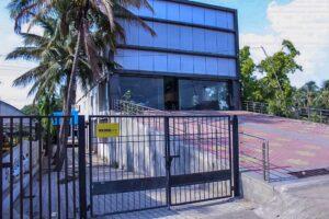 ace ventura warehouse image